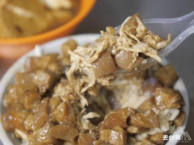 火飯粒粒分明,加上雞絲及肥而不膩的魯肉,不禁一口接一口。